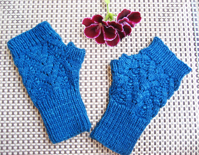 Lace Mittens Knitting Pattern : Nordic Lace Mittens Knitting Pattern by Buttons and Beeswax