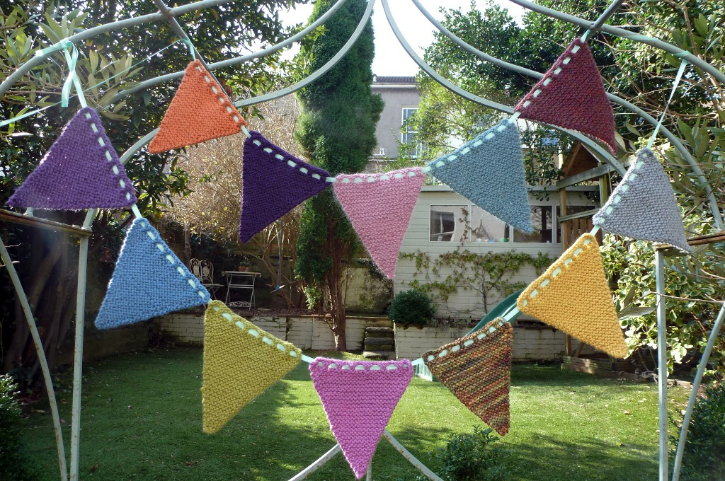 free knitted bunting pattern