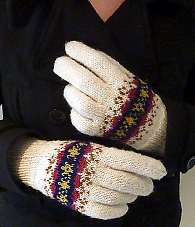 blue_hour_gloves1_5kcbwday6